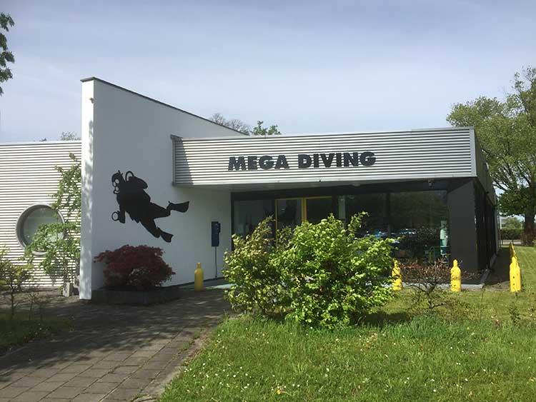 Mega Diving